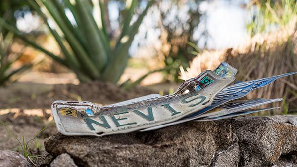 Nevis_001
