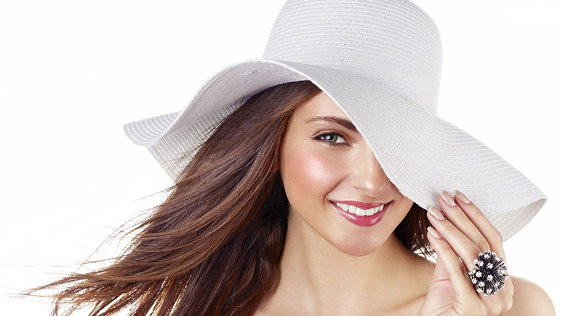 woman-with-white-hat-girl_123167 800px