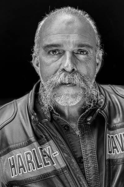 SAM CHILDERS: THE REAL MACHINE GUN PREACHER - Resident