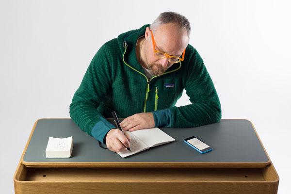 giulio-iacchetti_-paper-tablet-designer