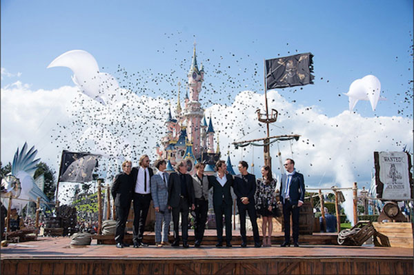 The cast of Pirates of the Caribbean: Dead Men Tell No Tales in front of the castle
