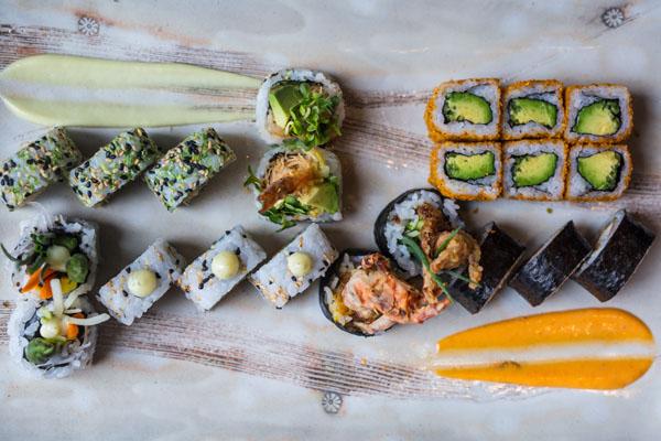 ETARU Sushi Platter